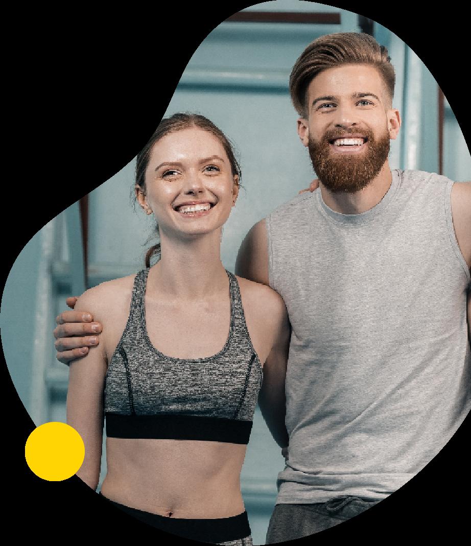 to unge glade mennesker til træning