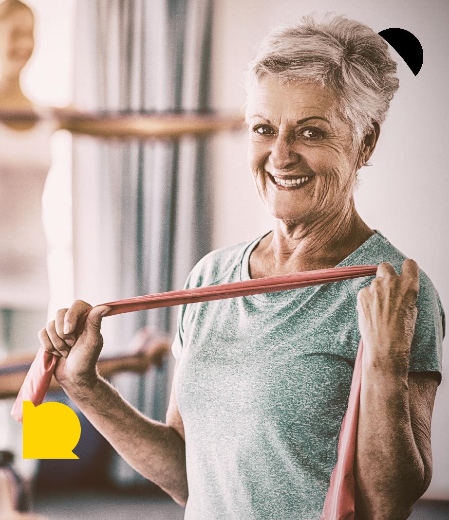 Ældre kvinde til senior yoga